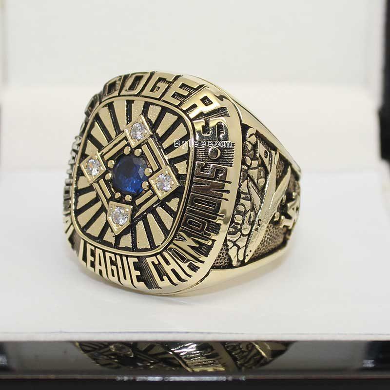 la dodgers rings (1977 NL Champions)