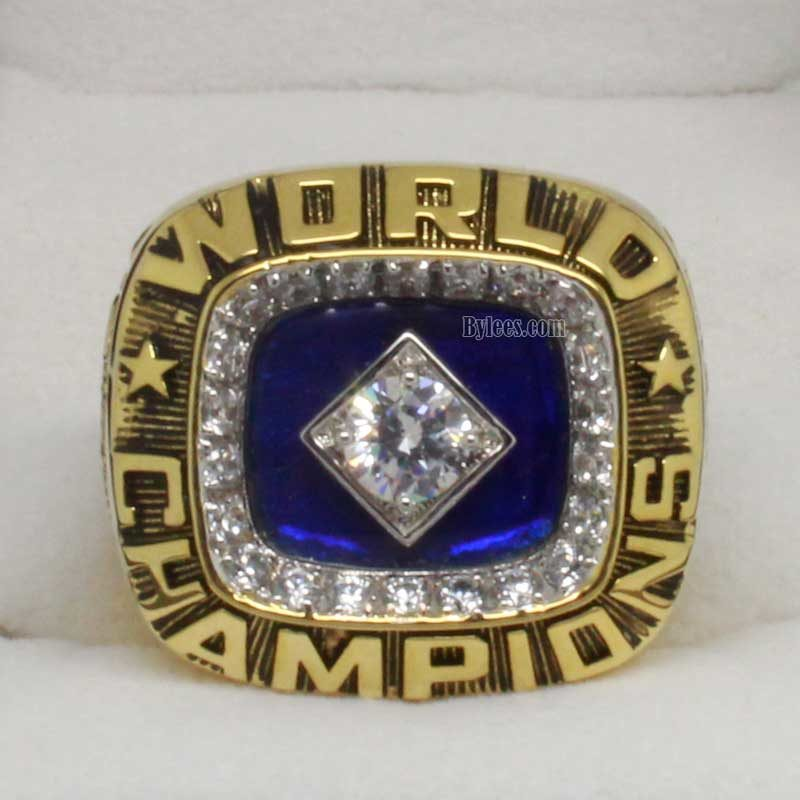 Front view of 1978 world series ring