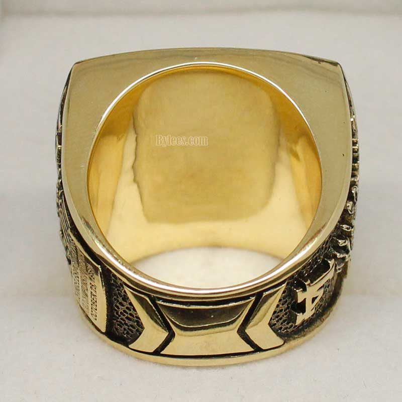 back view of 1981 world series ring