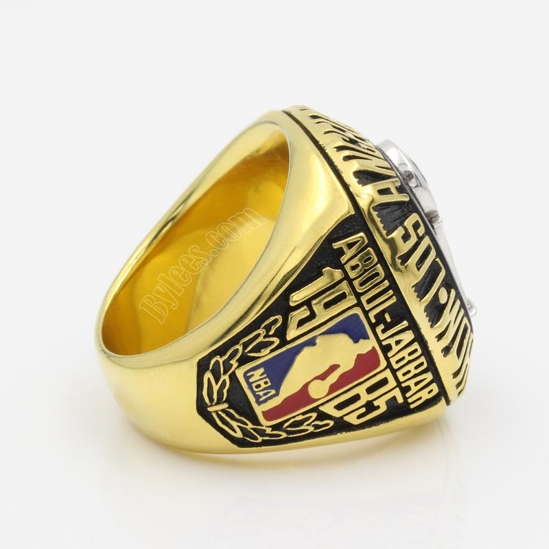 1985 lakers nab championship ring