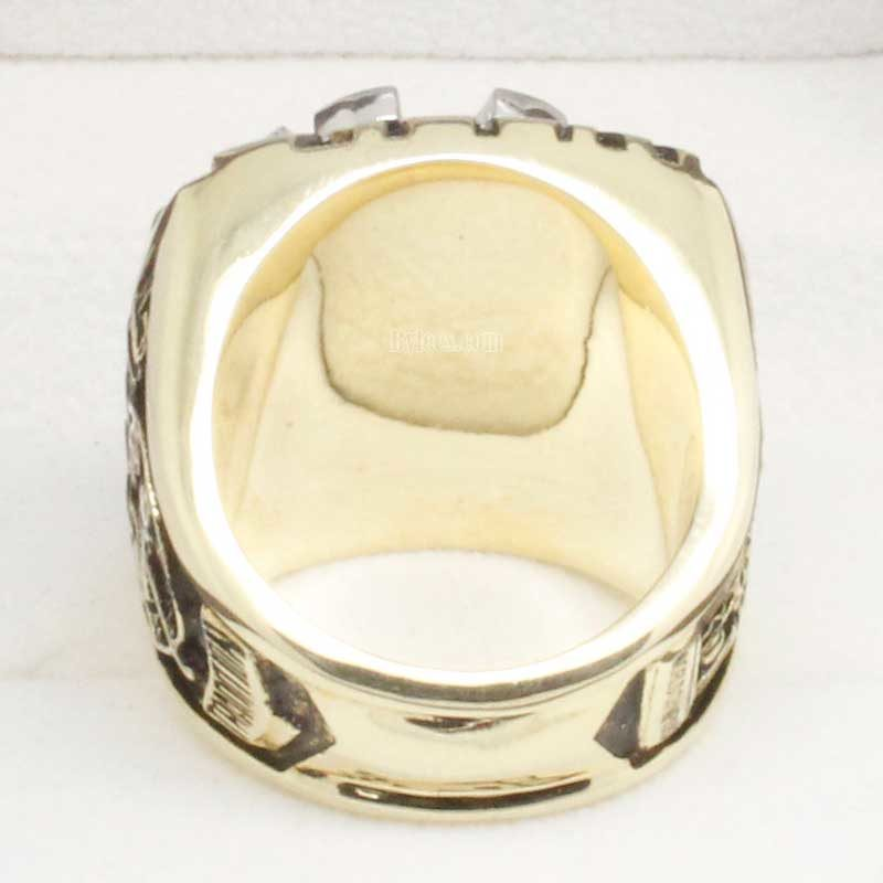 back view of wade boggs ring