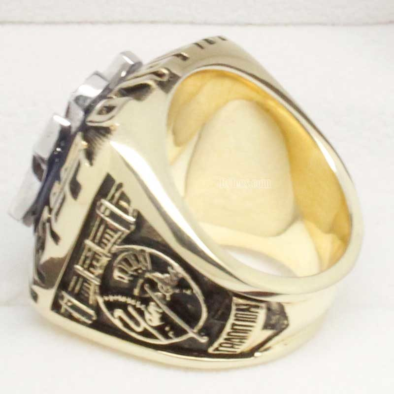 Left side view of wade boggs ring