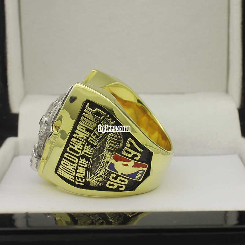 1997 chicago bulls ring (side view 2)