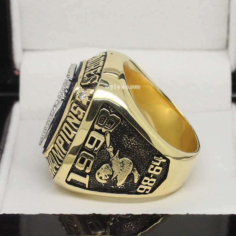 San Diego Padres 1998 National League Championship Ring