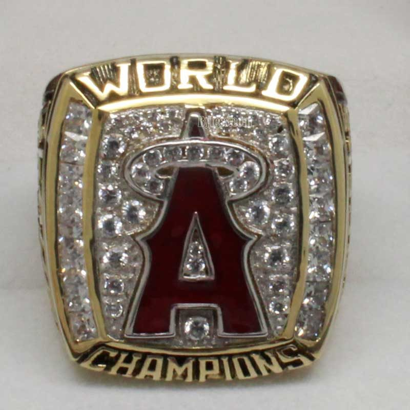 2002 world series championship ring(old verion front view)