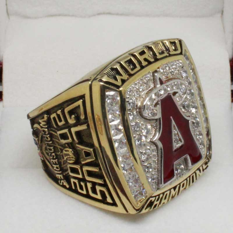 2002 world series championship ring (old version side view 2)