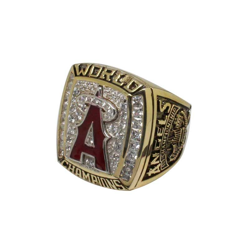 2002 world series championship ring (old version side view)