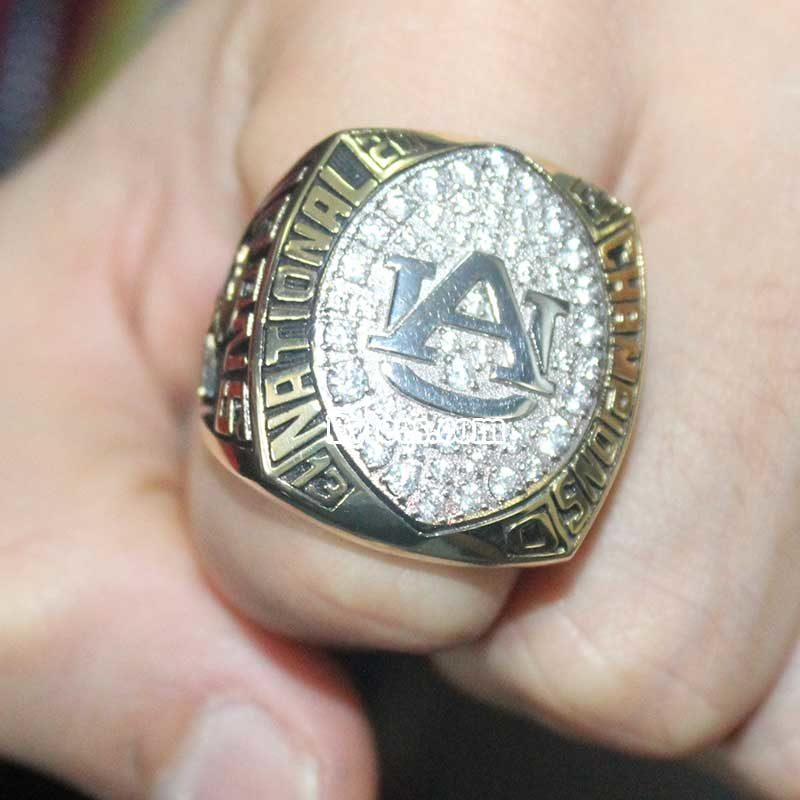 2004 UA SEC Championship ring