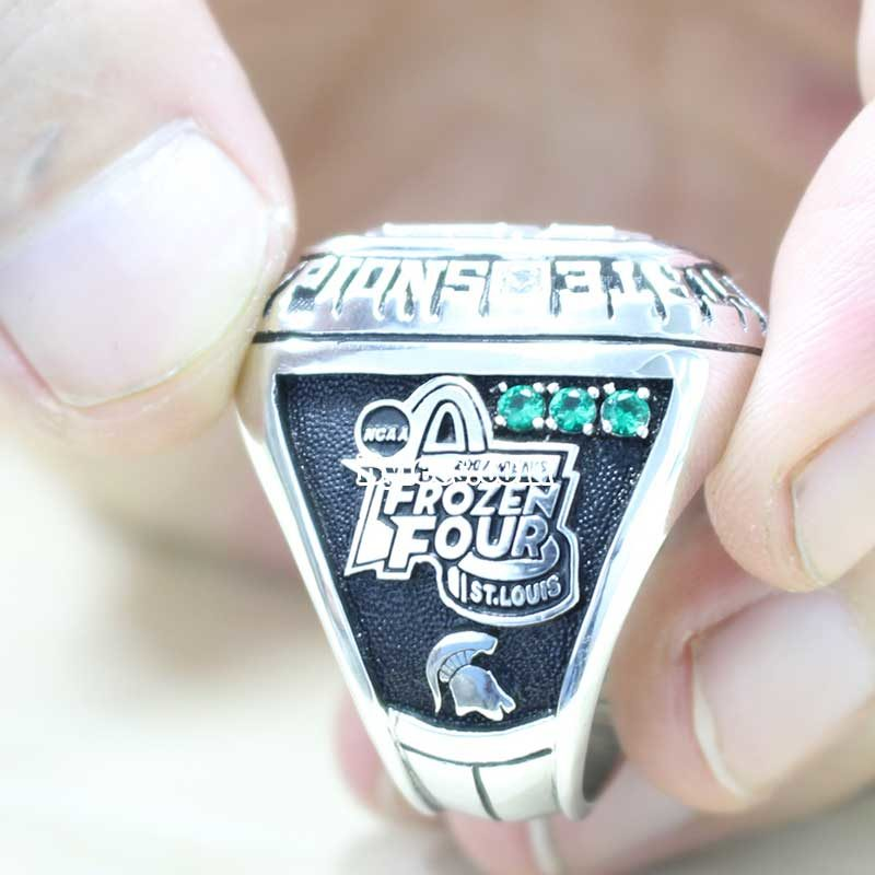 2007 MSU Ice Hockey Championship Ring