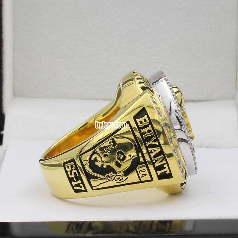 kobe bryant with rings