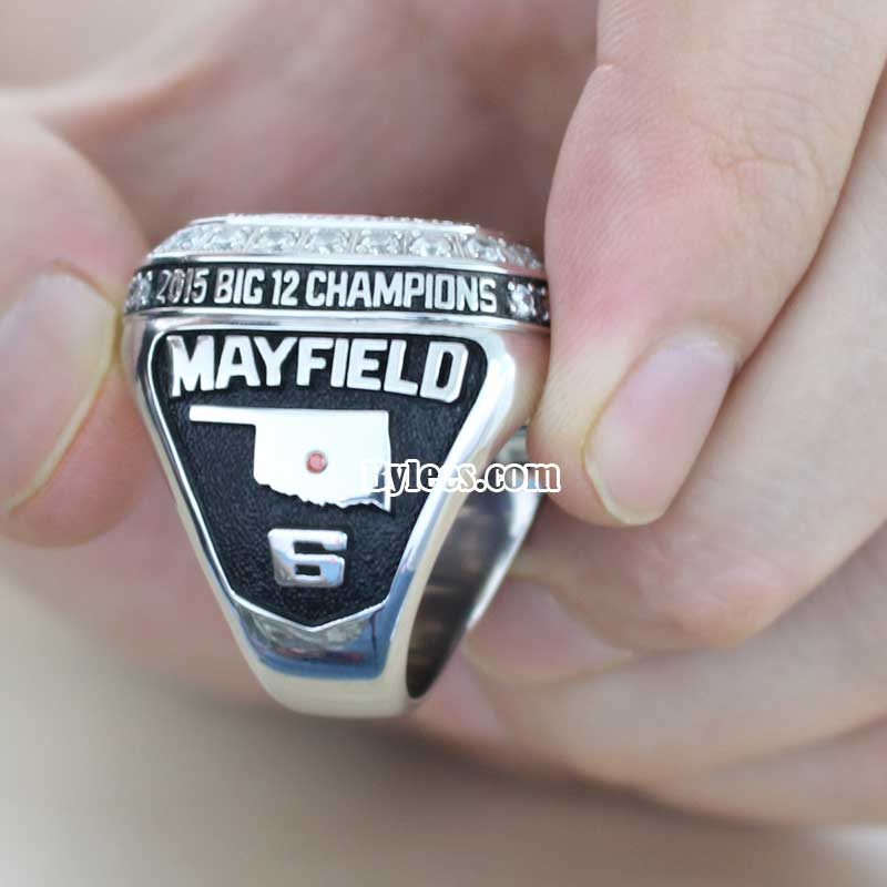 side view of 2015 Oklahoma Sooners Big 12 Championship Ring