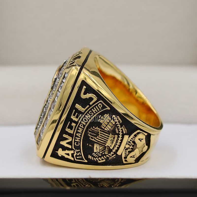 2002 world series champion ring