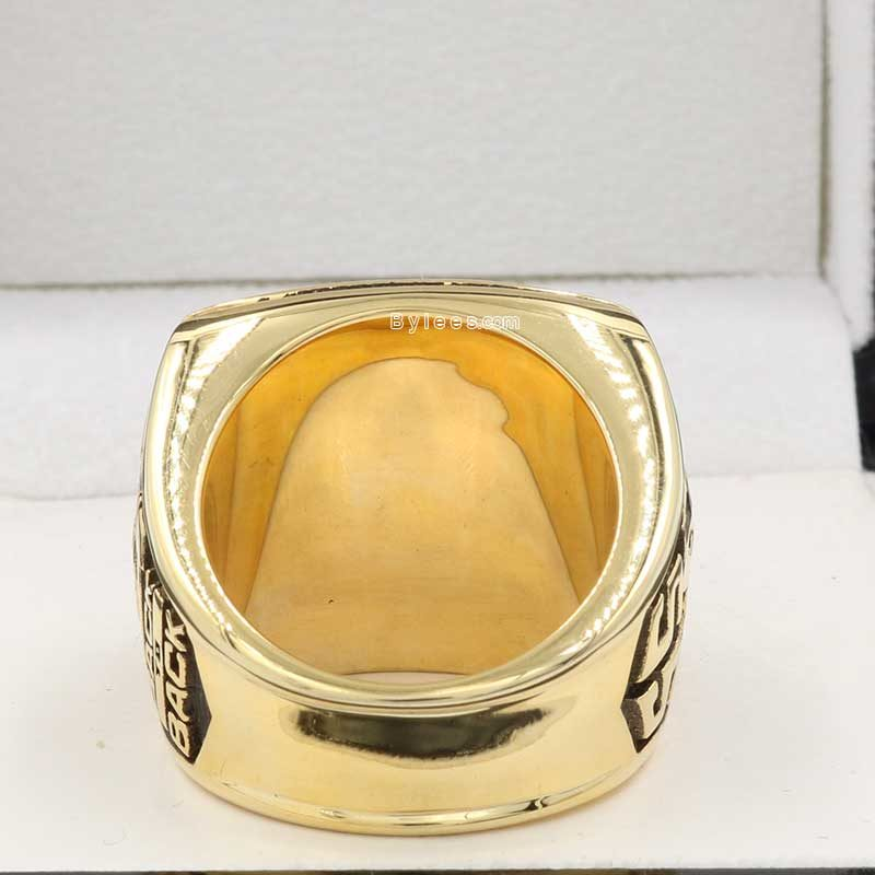 back view of green bay packers championship ring (1997 NFC champions)
