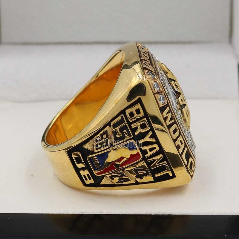 kobe bryant champion rings