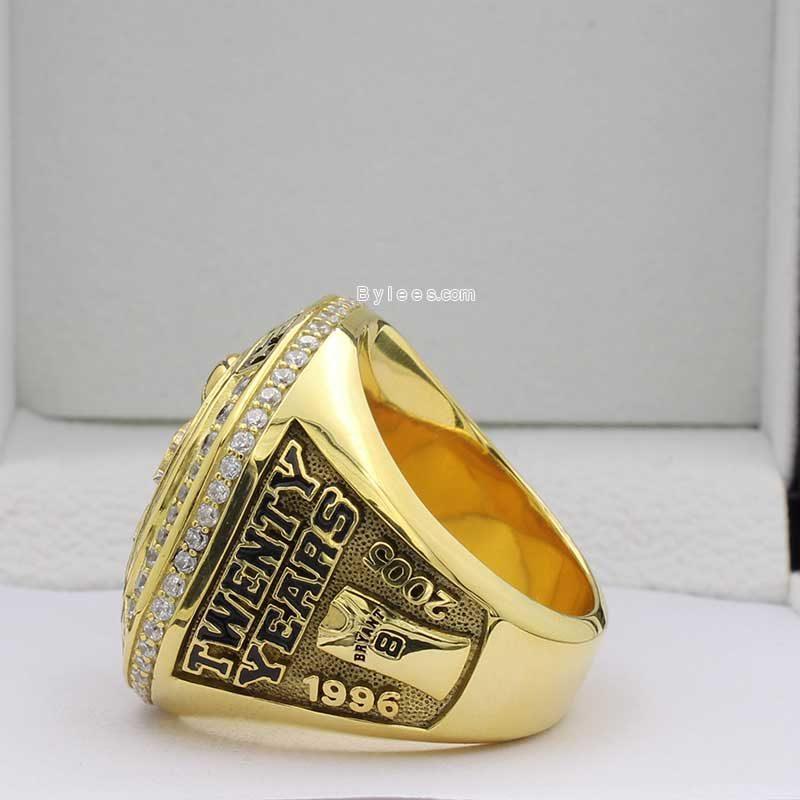 kobe retirement ring (side view 2)