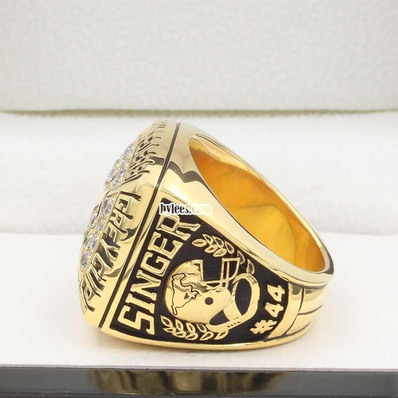 left side view of calgary stampeders grey cup ring 1992
