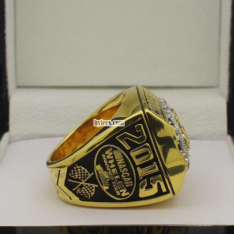 right side view of nascar championship rings 2015