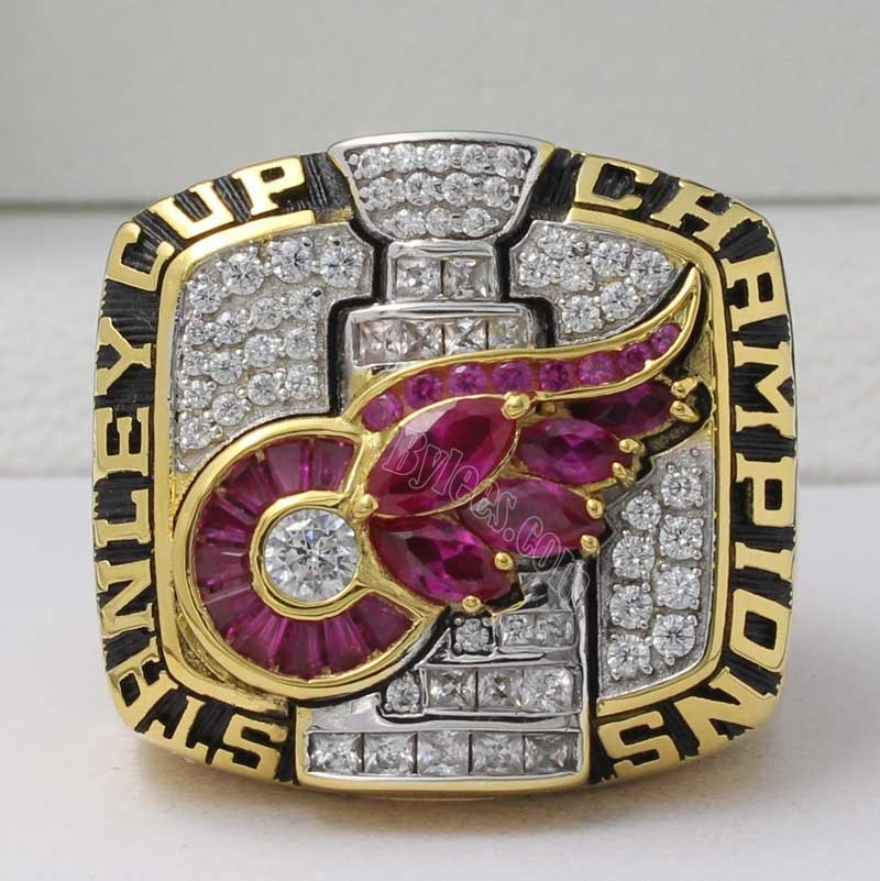 2002 Detroit Red Wings Stanley Cup Championship Ring